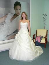 Andělské svatební - tam ty šatičky byly trošku vyvoněnější..