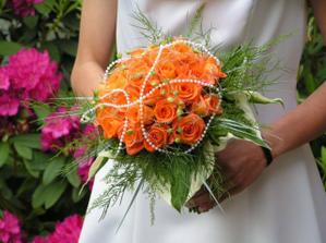 budou oranžové růže