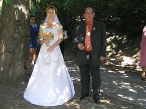 Nevěsta s tatínkem už je připravená