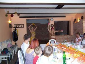 Překvapení pro hosty - orientální tanečnice