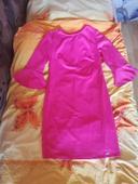 Dámske púzdrové šaty so zvonovými rukávmi , 40