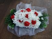 kytice před novomanželé,