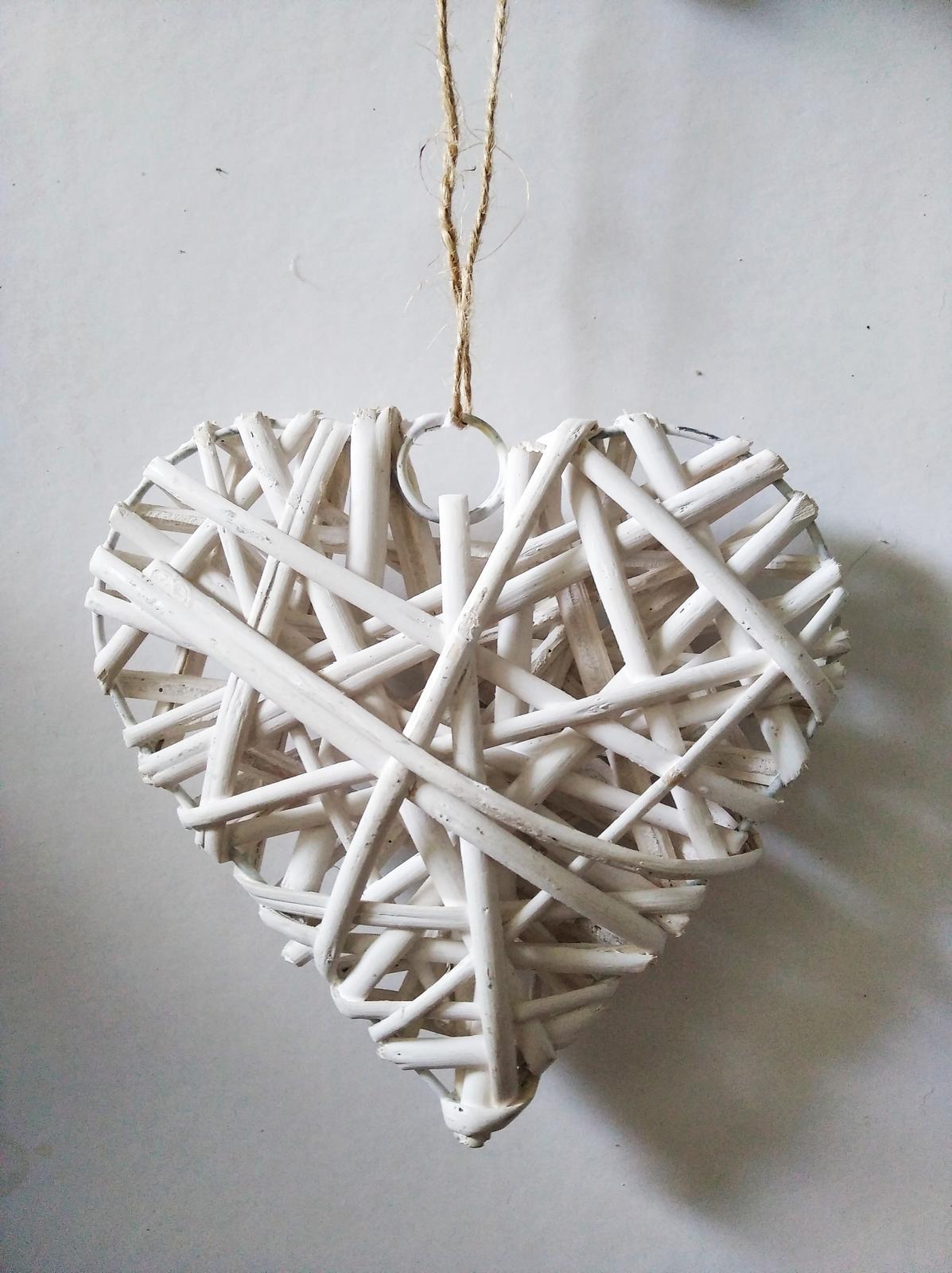 svatební dekorace - proutěné srdce - Obrázek č. 1