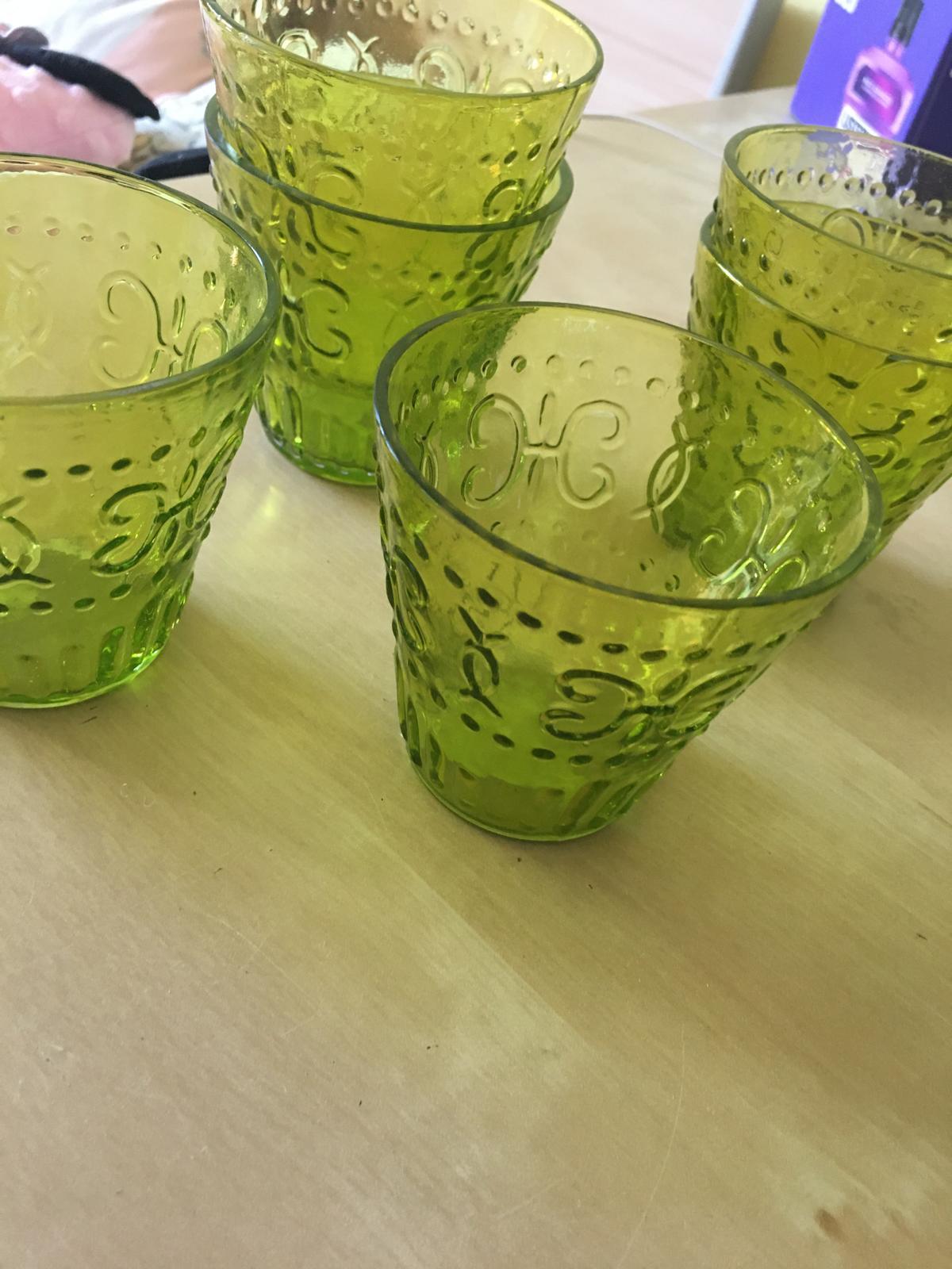 zelené skleněné svícny - Obrázek č. 1