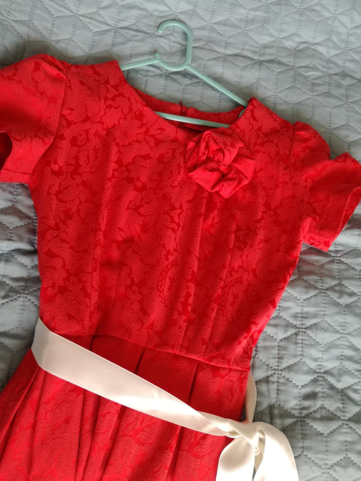 Šaty na redovy tanec - Obrázok č. 2