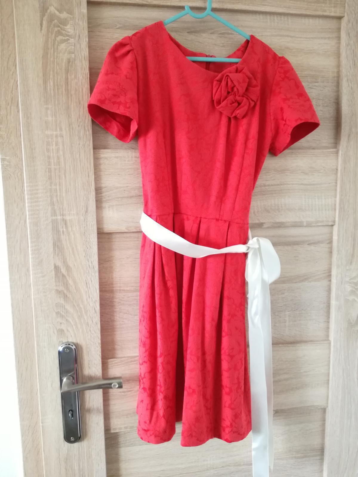Šaty na redovy tanec - Obrázok č. 1