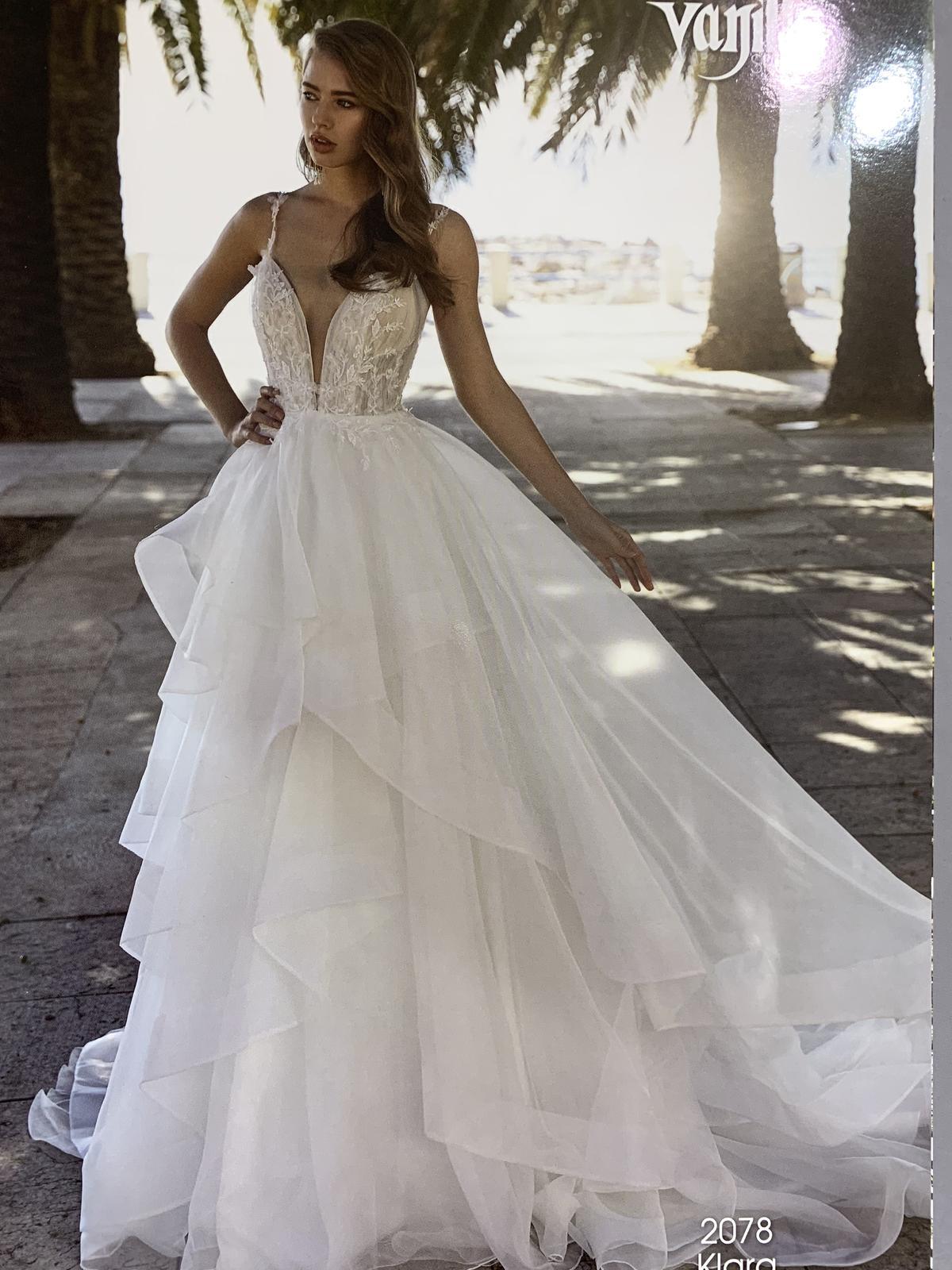 Trochu jiné svatebni šaty, vel 36. - Obrázek č. 1