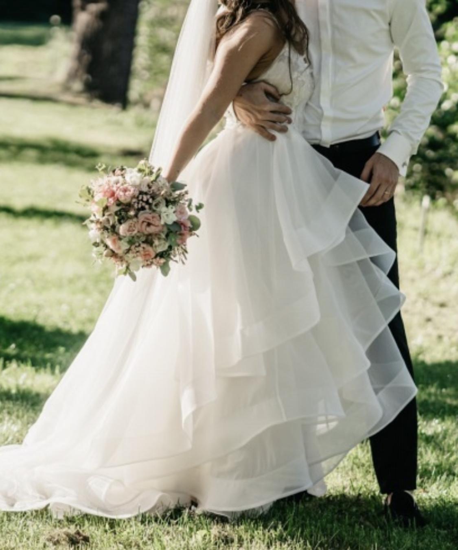 Trochu jiné svatebni šaty, vel 36. - Obrázek č. 4