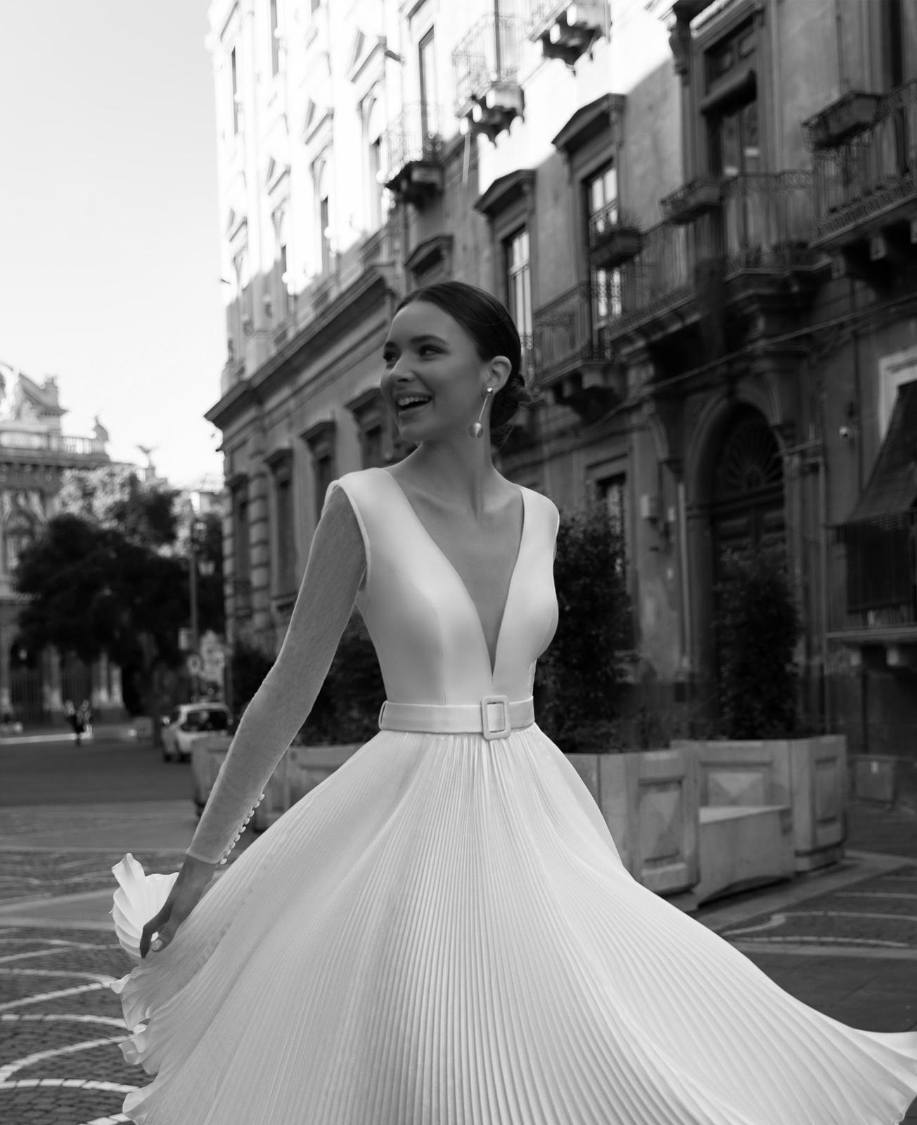Popolnočné šaty/svadobné šaty - Obrázok č. 2