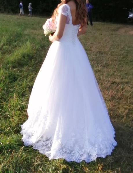 Krásne romantické svadobné šaty - Obrázok č. 1