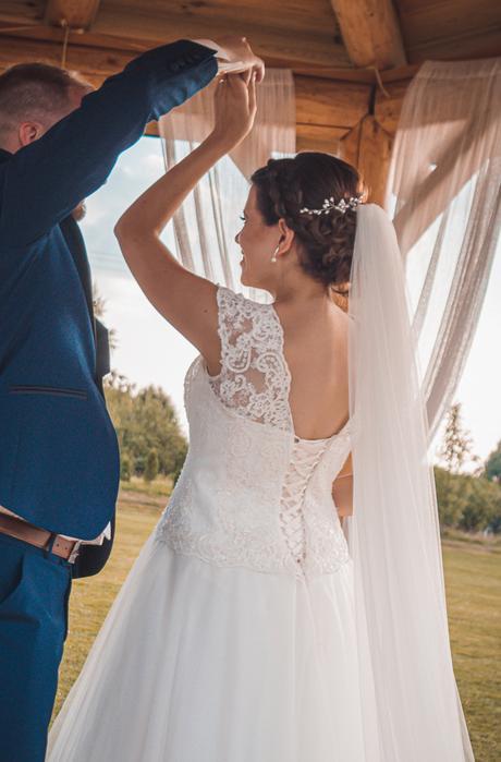 Svatební šaty vel.40 vhodné i pro těhotné - Obrázek č. 1