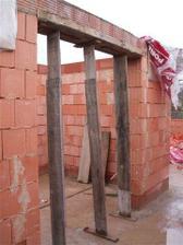 budoucí vchod na záchod a do koupelny...