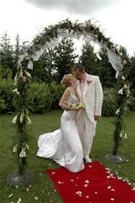 máme svatbu venku