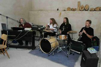 muzikanti hráli od srdíčka - děkujeme :)