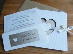 Naše vlastnoručně vyrobené oznámení s pozvánkou a dopisem...
