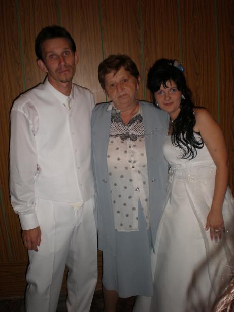 Iveta Harajdičová Engeľová{{_AND_}}Milan Engeľ - spoločne foto z mamkou