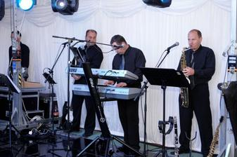 Black Band Petra Apolena - skvelí
