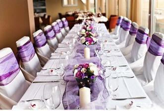stůl bude do fialova