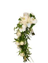Moje vybraná kytička, jen s vínovými růžemi ;-)