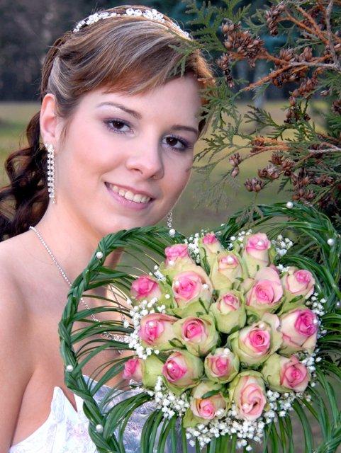 Katka{{_AND_}}Peťko - pocasie bolo nadherna , na to , ze som mala svadbu 17.2.2007 :-)