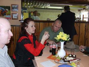 svědkyně a zároveň sestra nevěsty s manželem