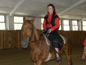 svědkyně na koni