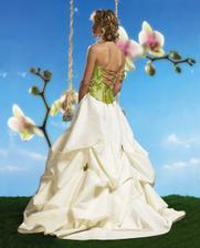 zelená je super, ale svatba je růžová