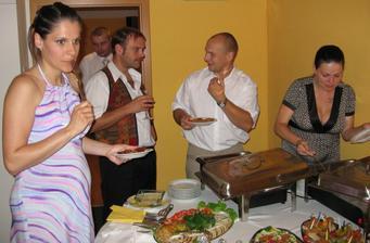 hladové těhulky, moje sestra(svědek) a kolegyně z práce