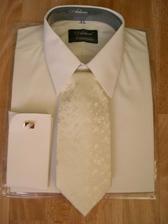 maslová košeľa na manžetové gombíky so skrytým zapínaním a kravata v rovnakom odtieni