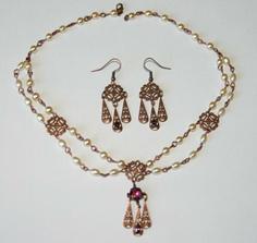 renesančné šperky sú už doma