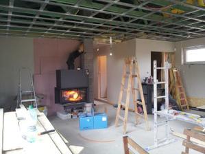 obývačka z druhej strany, komora (moja izba , ako hovoria kamoši čo nám chodia pomáhať) a vstup