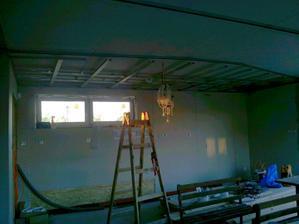 Zníženie stropu v kuchynskej časti