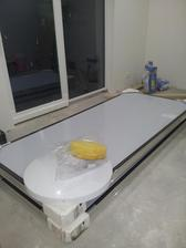 Solár zatiaľ na zemi v spálni