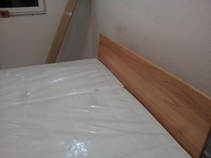 naša posteľ, konečne manželská žiadny gauč
