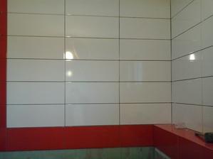 naša budúca kúpelňa červeno-biela