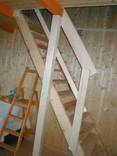 Konečne máme schody a rebrík odložíme