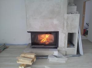 Trošku som upratoval, tak som si naložil ohník