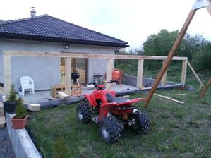 Začali sme pracovať na terase