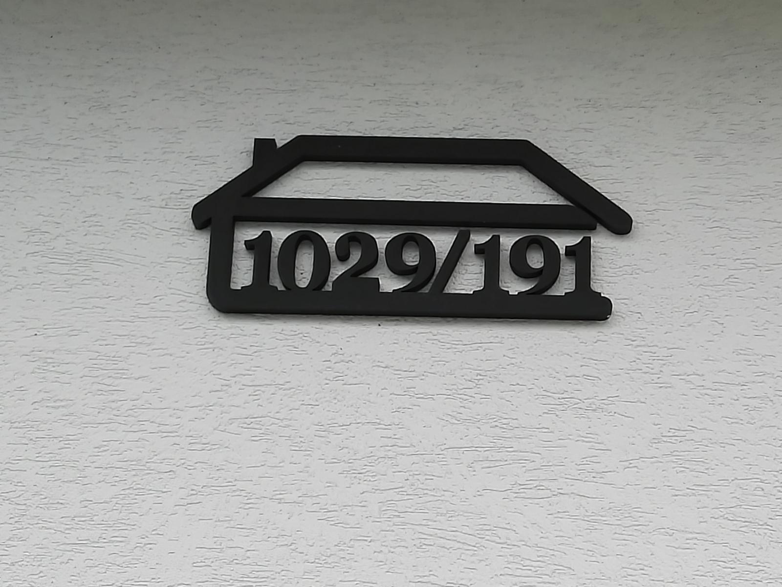 Trošku sme sa posunuli - Číslo domu od @pakrisz_idea