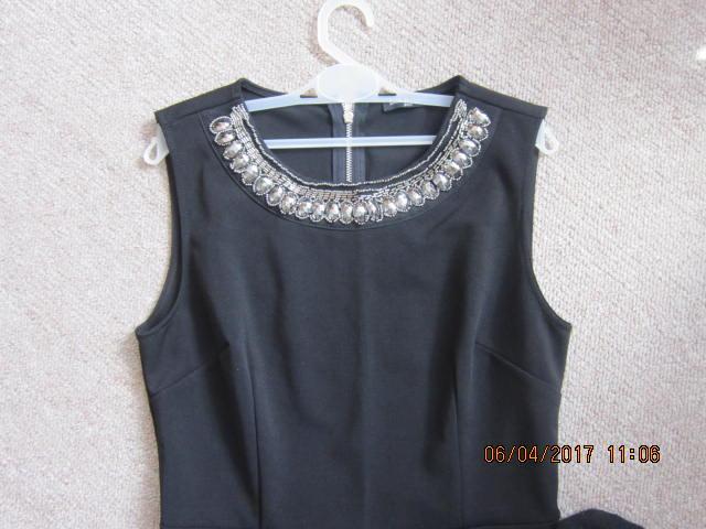 Užasné strapcove  šaty - Obrázok č. 2