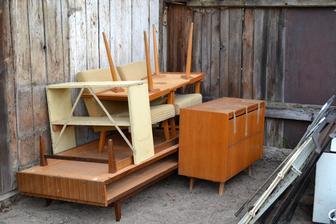 starý nábytok do kontajnera