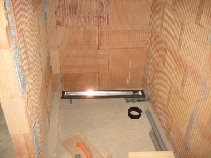 Milenium 229 - 27.5.2012 - budoucí sprchový kout v horním patře
