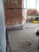 27.5.2012 - v kuchyni už sítě hotové :-)