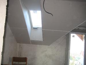 3.12.2012 - zateplujeme střechu a děláme sádrokartonové podhledy