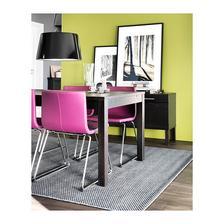 Véééélký favorit - jídelní židle. Velmi pohodlná a nestudí.