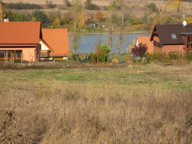Milenium 229 - Pohled z baráčku - pod námi rybník :-) (vedle nás lesík :-) )