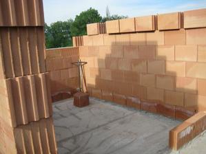Budoucí koupelna - moc malá na můj vkus, jsem zvědavá jak se tam vše vejde :-( - 20.5.2011