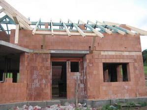 Další změna v projektu: 1.nebudou dřevěné sloupy před vchodovými dveřmi. 2.zazděná garáž zvenku - 26.5.2011