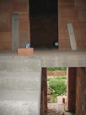 Skvělý pohled ze schodiště na část spodního a část horního patra :-) 2.7.2011