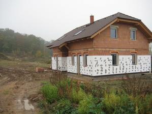 Fasádka - zatím jen kam se dosáhlo ze země - 29.10.2011